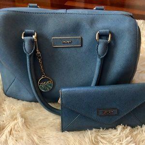 DKNY purse & matching wallet